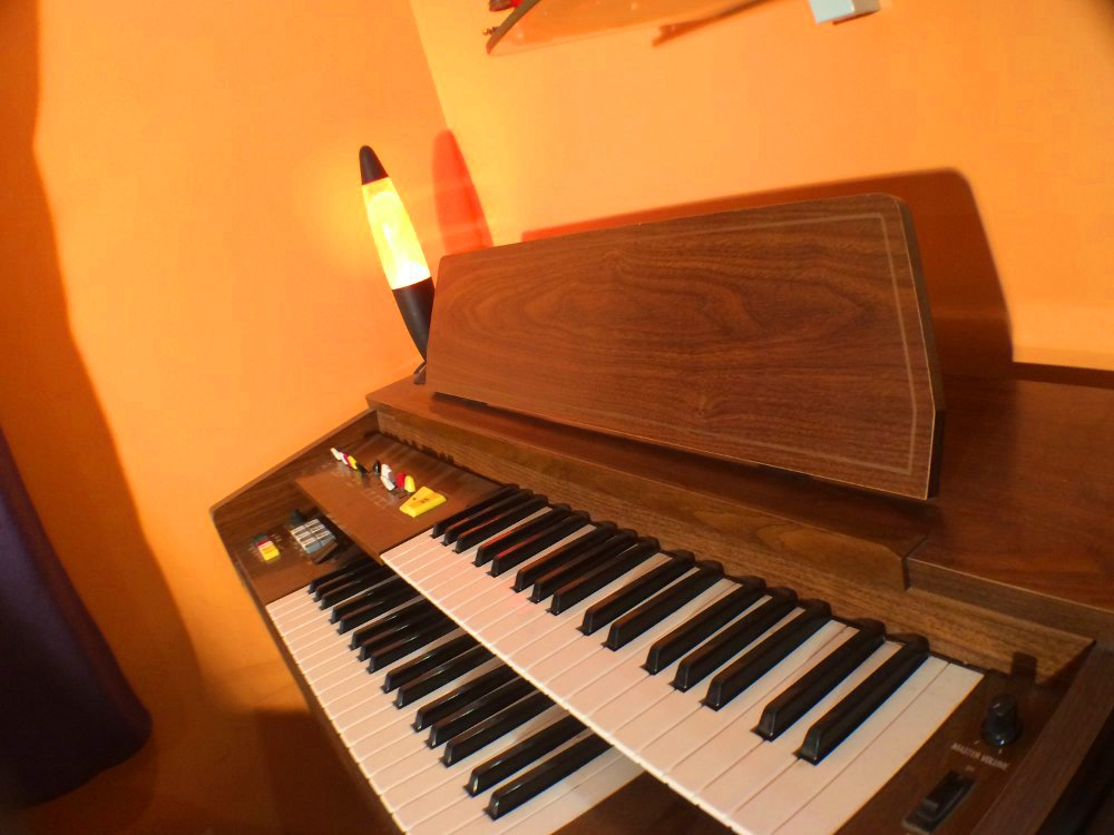 Kawai Electone Organ